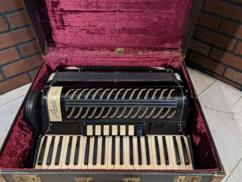 Bertini 41 Key 120 Button Made In Italy Vintage Accordion
