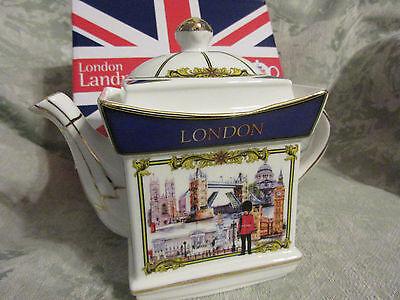LONDON LANDMARKS  COLLECTORS Fine China Teapot Gift Box.. ON SALE