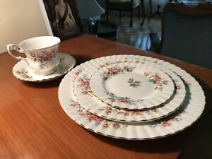 12 couverts Royal Albert Moss Rose set vaisselle