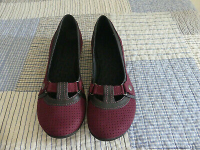 Details about Clarks Privo Sandals Womens 9.5 M Closed Toe shoes