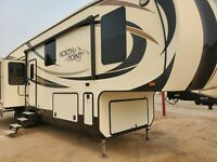 2016 Jayco Northpoint Pinacle 5th Wheel Trailer