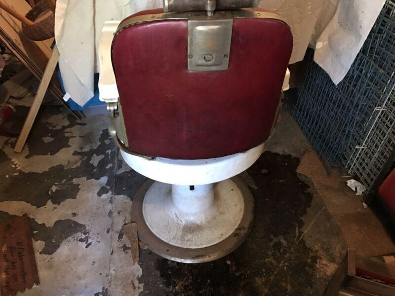 Antique E. Berninghaus Hercules Barber Chair
