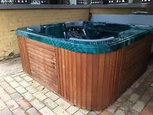 8 man signature therapeutic outdoor spa Burra Queanbeyan Area Preview