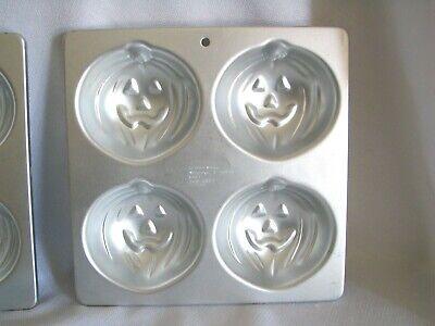 n Pumpkin Jack O Lantern Muffin Cup Cake Pan Tin 2105-9497 (Halloween Cupcakes Jack O Lantern)