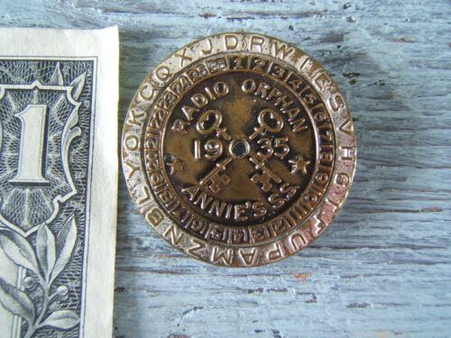 1935 Radio Orphan Annie ROA Secret Society Code Decoder Badge / Pin