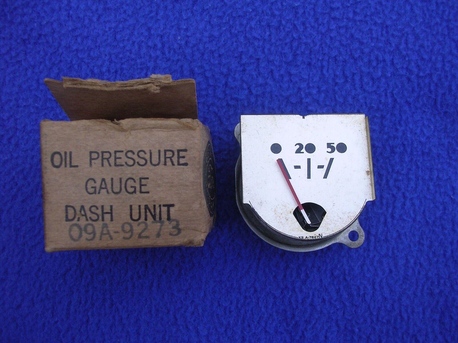 Vintage Antique Ford Motor Co NOS Oil Pressure Gauge 09A-9273 Gauge Original Box