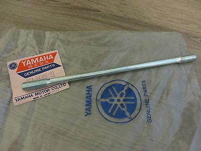 <em>YAMAHA</em> CYLINDER STUD BOLTS XS500 TX500 CYLINDER BOLT ORIGINAL NEW