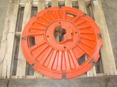 1963 Case 831 Tractor Rear Wheel Center Hub A11569 830