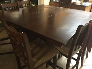 Dining table plus 8 chairs
