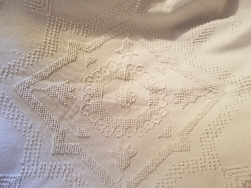 """ATQ HAND WOVEN OFFWHITE CANDLEWICK BEDSPREAD / COVERLET - 72"""" BY 85"""" - SIGNED"""