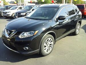 2014 NISSAN ROGUE S- PANORAMIC SUNROOF, NAVIGATION SYSTEM, POWER