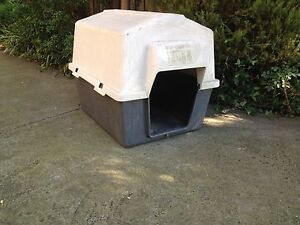 Large pet Mate Dog house $35 Blackburn Whitehorse Area Preview