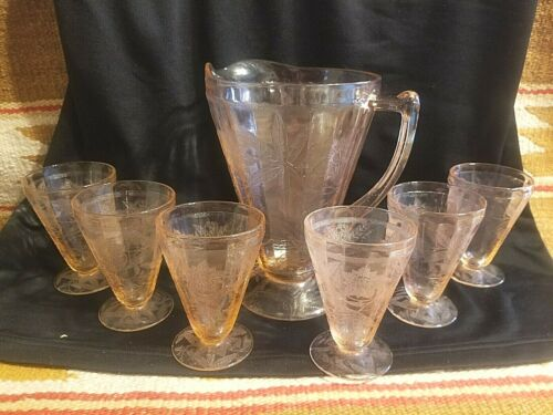 FINE PINK DEPRESSION GLASS FLORAL POINSETTIA PITCHER & 6 TUMBLERS JUICE SET MINT