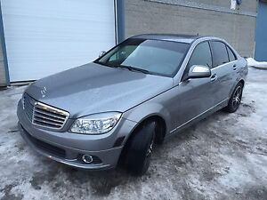 2009 Mercedes-Benz C230 4MATIC 127,000km **SUPER PROPRE**