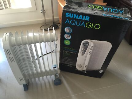 Sun air aquaglo 9 fin column heater max 2000W with 3 wattage levels Oxley Park Penrith Area Preview