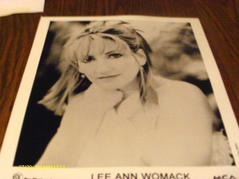 Lee Ann Womack  Publicity Photo