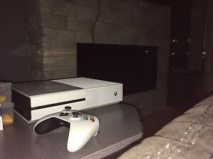 Xbox One white edition