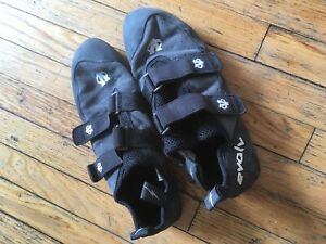 eco-trax Evolv VTR 3D climbing shoes