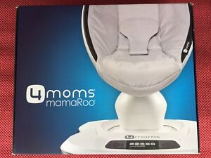 4 Moms Mama Roo