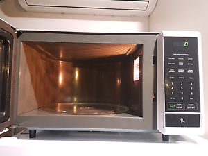 LG microwave 25L Albury Albury Area Preview