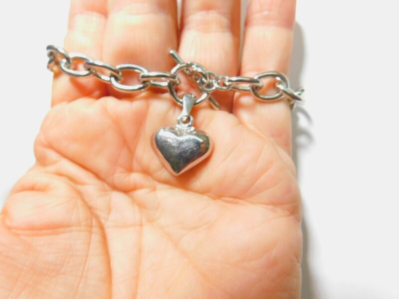 Solid Silver Tone Metal Heart Charm Chain Bracelet 7 3/4 Inches Vintage