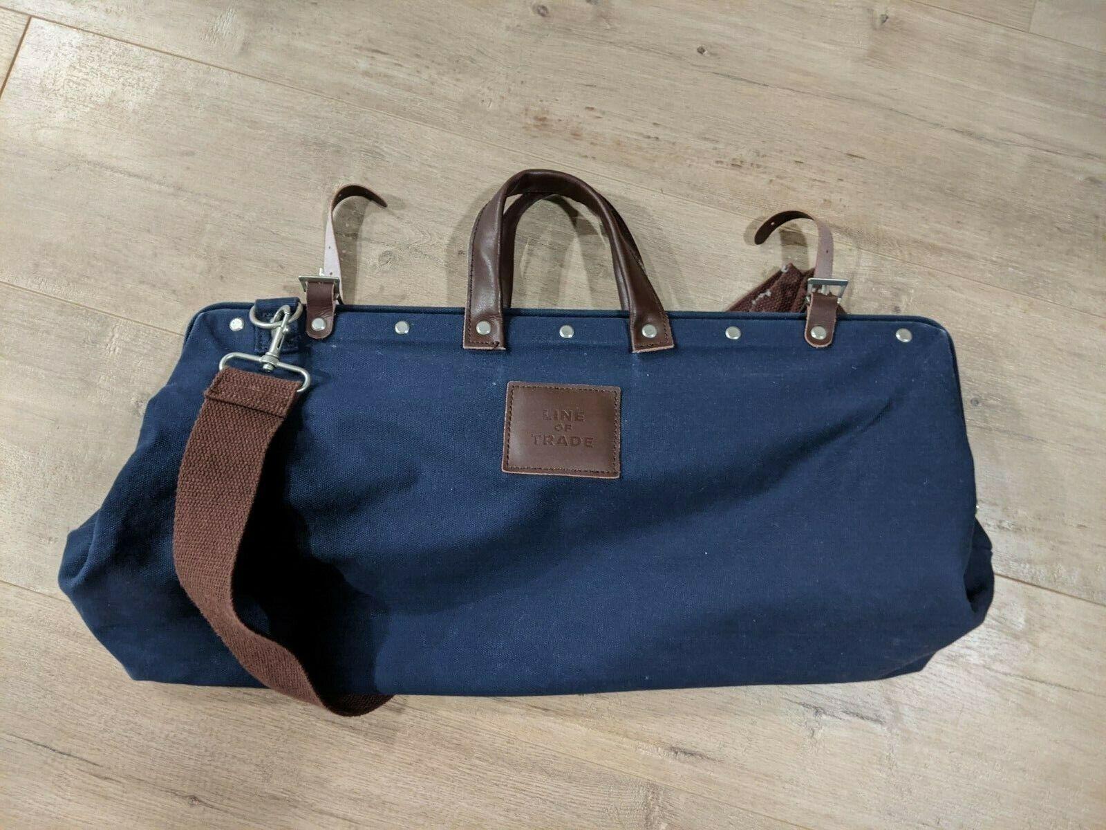 LINE OF TRADE Unisex BESPOKE POST LEATHER HANDLES Navy Blue WEEKENDER BAG Used - $20.00