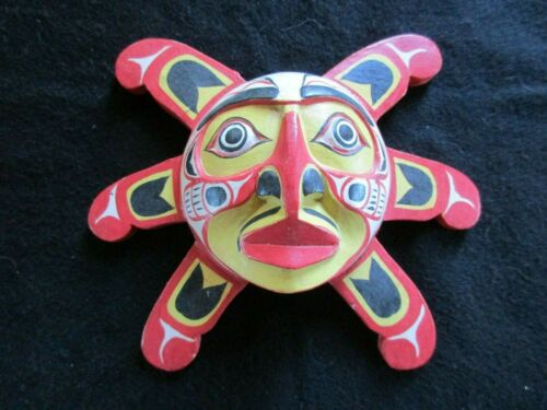 """CLASSIC NORTHWEST COAST DESIGN, """" RED SUN """" CARVED WOODEN MASK,  WY-0521*05470"""