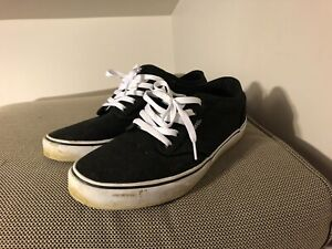 Vans low top black shoes men