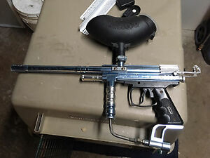 Paintball gun two co2 tanks and paintballs