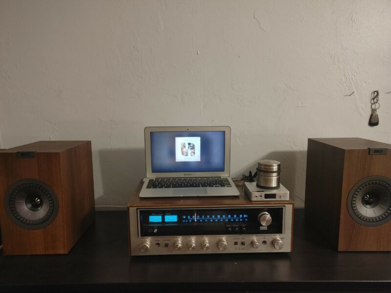 Vintage Sansui 5050 receiver in nice condition, clean unit