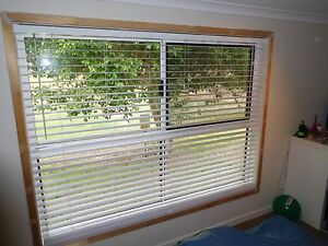 Venetian Window Blind - White Timber Deception Bay Caboolture Area Preview