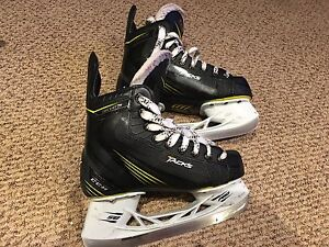 CCM tacks 3052  Junior size 2