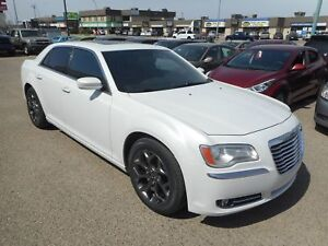 2014 Chrysler 300 Touring Leather, Pano Roof