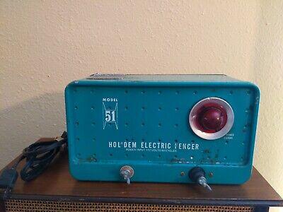 Vtg Holdem Hold Em Electric Fencer Model 51 117 Volt Livestock Ranch Fence