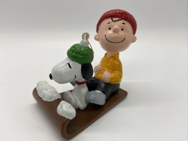 Peanuts Charlie Brown & Snoopy Toboggan Christmas Ornament Collectible Sled  A5