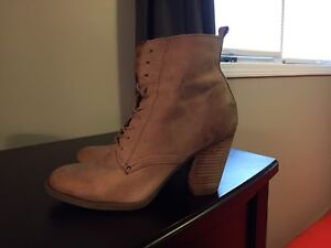 Aldo Woman's Leather Boot