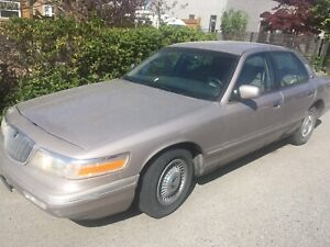 WICKED DEAL !!!! 1995 GRAND MARQUIS