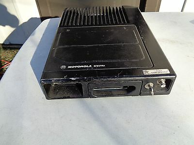 Motorola Spectra Mobile Trunk Radio Ta9gx078w With Mic Speakers Head Control