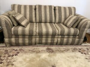 Beautiful three piece sofa set available for sale