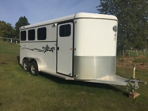 2016 Royal T Imperial Bumper Pull Horse Trailer