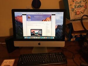 "Late 2009 IMac 21"" with Wired Keyboard and Mouse"