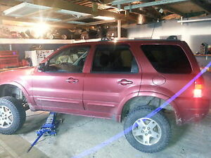 2003 fully loaded ford escape 4x4 open to trades
