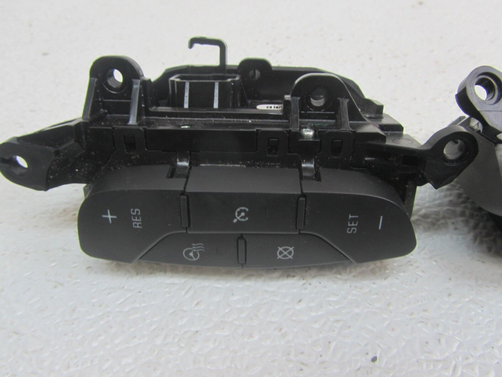 Used Buick Lucerne Switches / Controls for Sale