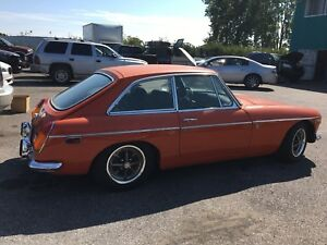 1971 mgb gt coupe ( RARE)