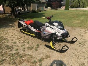 2017 Skidoo summit X 850