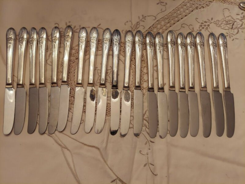 Wm ROGERS 20 Mfg Triumph Silverplate Luncheon Grille Knives Excellent Flatware