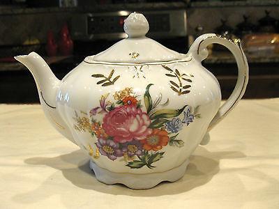 Vintage Musical Porcelain Tea Pot Floral Pattern w/Gold Trim Made in Japan