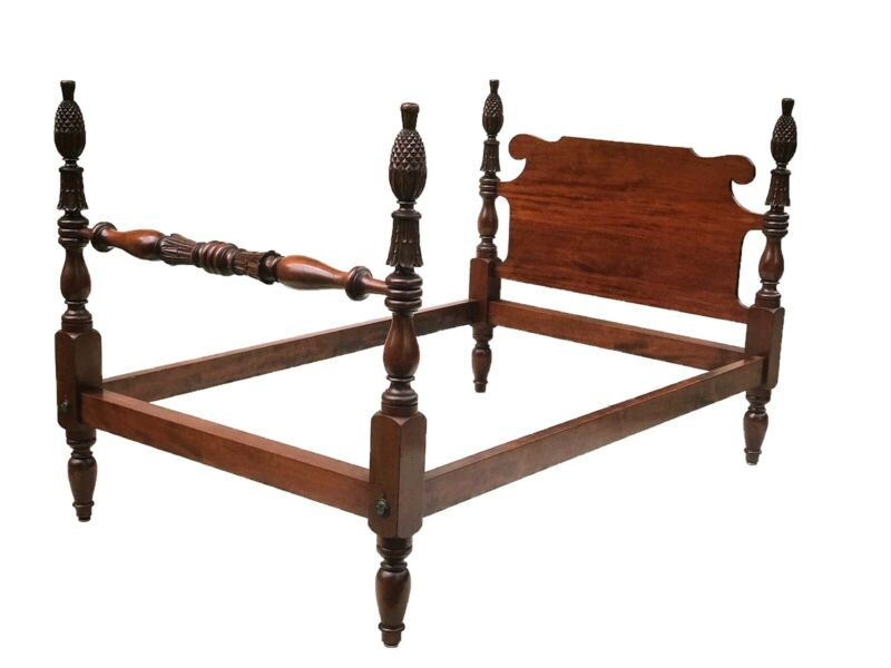 EARLY 20TH C CUSTOM MAHOGANY ANTIQUE SHERATON STYLE PINEAPPLE CARVED BED