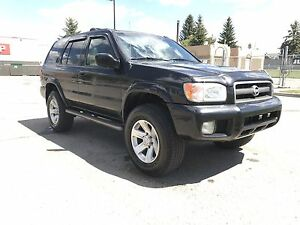 2003 Nissan Pathfinder LE 4x4 Lifted