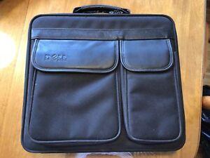 Porte documents et ordinateur portable